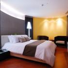 Corner Suite (Van Gogh)